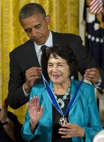 Dolores receives the Medal of Freedom
