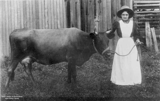 Australian Clothing in 1910