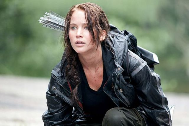 Cinna makes fashions for Katniss with her identity as a rebel.
