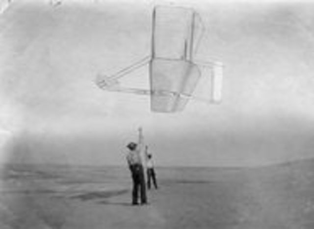 The Wrights begin testing the 1902 glider.