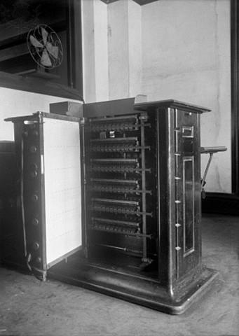 Electronic Cencus Tabulating Machine