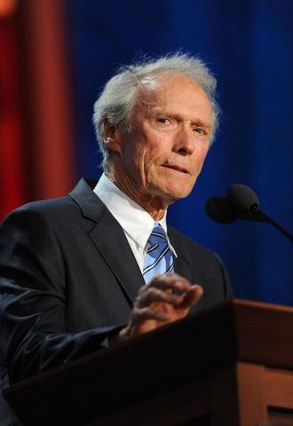 Clint Eastwood støtter Romney