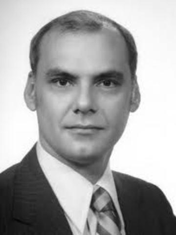 Lawrence G Roberts