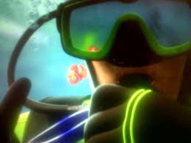 Nemo gets captured by divers.