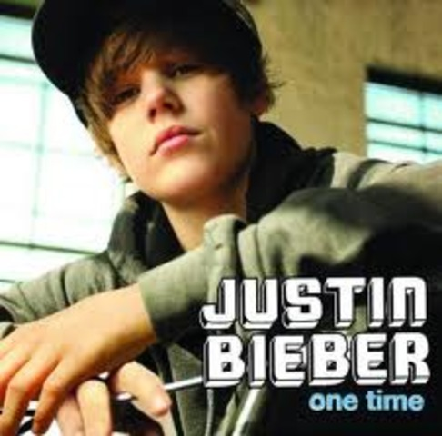 """May 18,2009 Justin Biber releases his dubut single """" One time"""""""