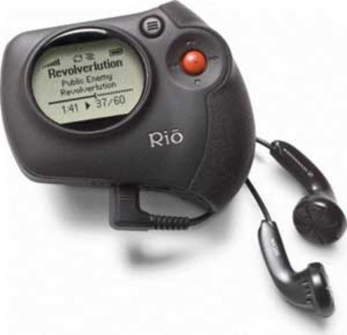 Invention du premier baladeur MP3.