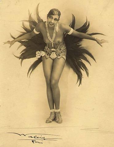 Joséphine Baker danse la charleston