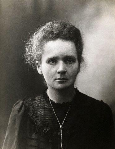Marie Curie reçoit le prix Nobel de physique