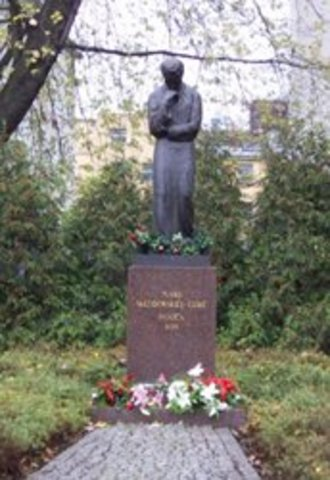 A monument was errected in her honour at the Radium Institute in Warsaw.