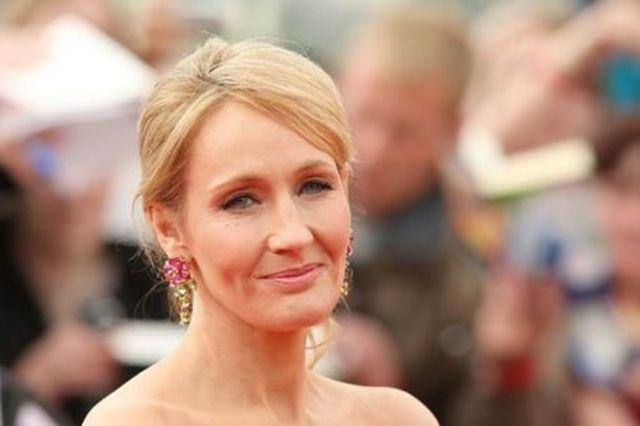 J.K Rowling se fait connaître