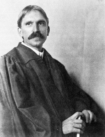Naix John Dewey