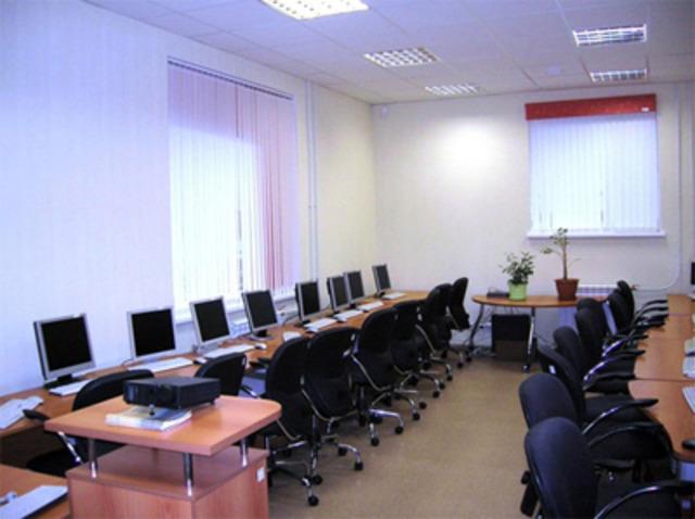Обеспечение компьютерной техникой образовательных учреждений