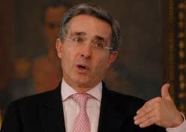 El presidente : ALVARO URIBE VELEZ