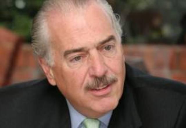 El presidente : ANDRES PASTRANA ARANGO