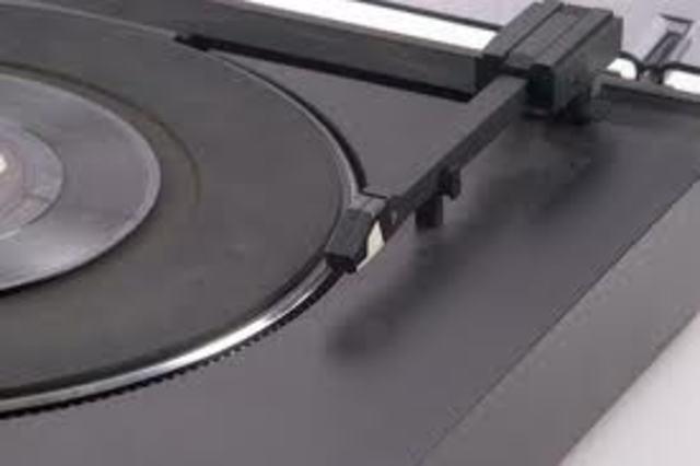 first flat disc