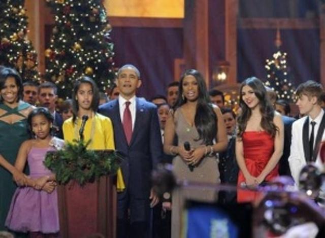 Participó junto a otros artistas en la celebración Christmas in Washington,