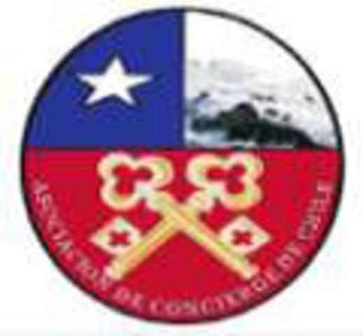 Se inicia la Asociación de Concierge de Chile cuando se realizaron los primeros contactos por los Concierge de 2 hoteles.