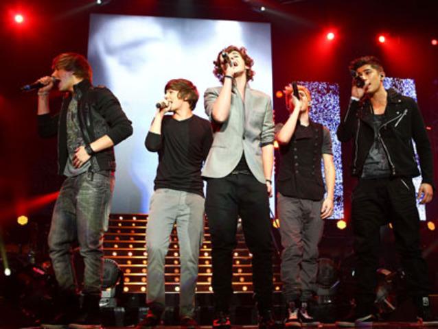 """One Direction participó en  """"X Factor Live Tour"""""""