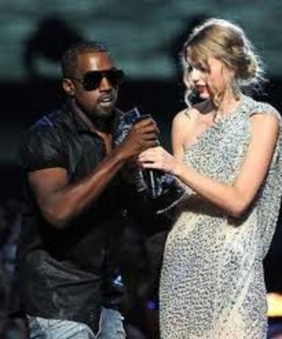 Kanye West Comandeers Taylor Swift's Microphone During an Acceptance Speech at the 2009 MTV Video Music Awards .