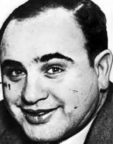 "Al Capone Becomes ""Scarface"" From Knife Fight"