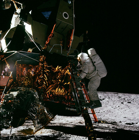Apollo 12 Second Landing