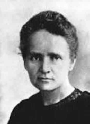 Marie Curie makes discovery
