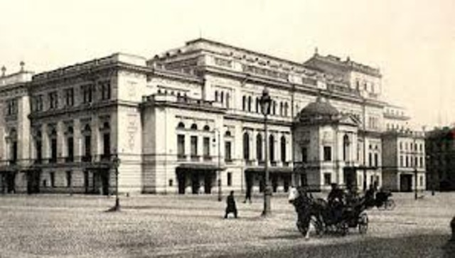 Tchaikovsky goes to St. Petersburg Conservatory