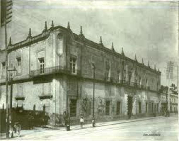 ESCUELA DE COMERCIO EN MEXICO
