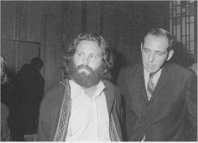 Jim Morrison est condamné