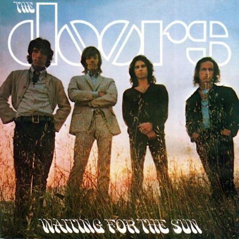 Sortie de l'album Waiting For The Sun