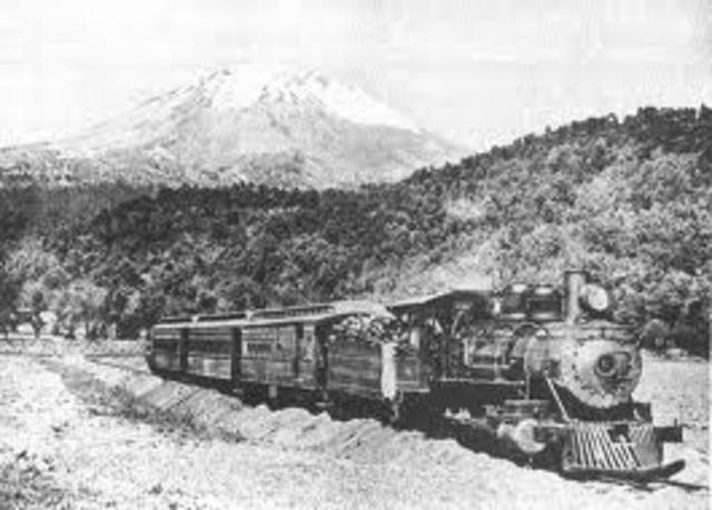 First U.S.- Mexico Railroad Built