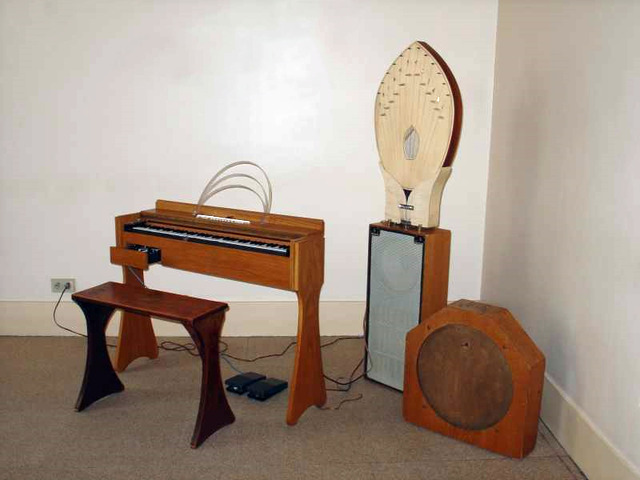 Maurice Martenot invents the Ondes Martenot