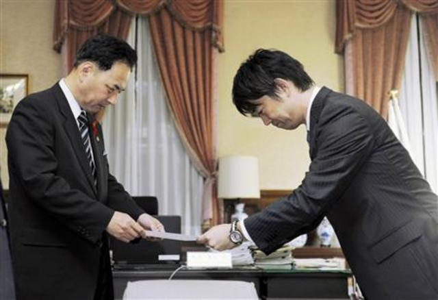 Toru Hashimoto resigned the governor of Osaka