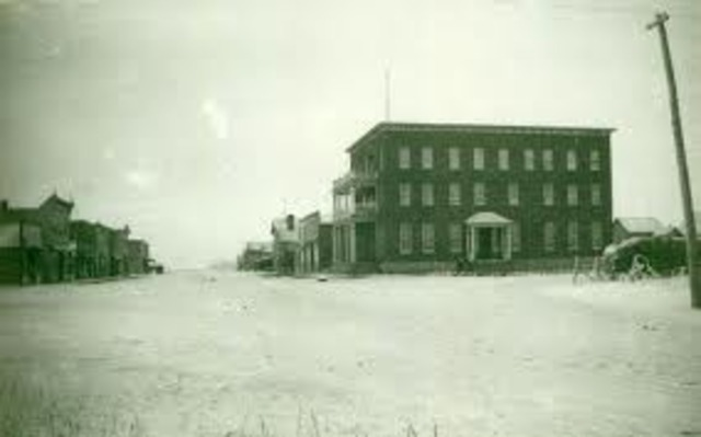 Jack arrives in Blaine lake. (picture is Blaine lake 1915)
