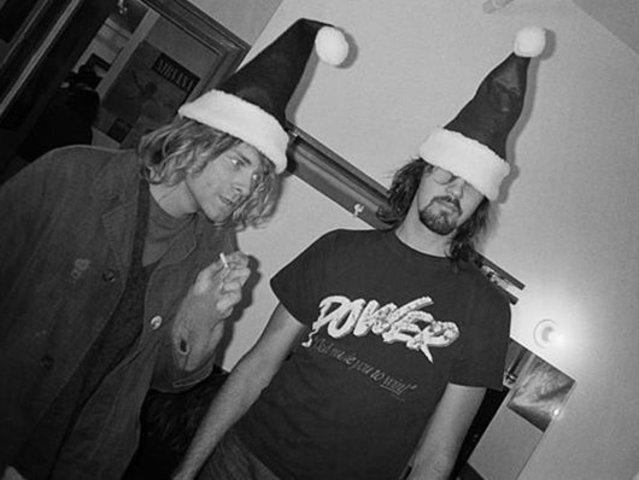 Kurt start to play with Kirst novoselic