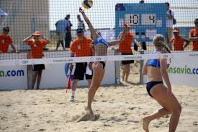 Rule Differences Between Beach And Indoor Volleyball