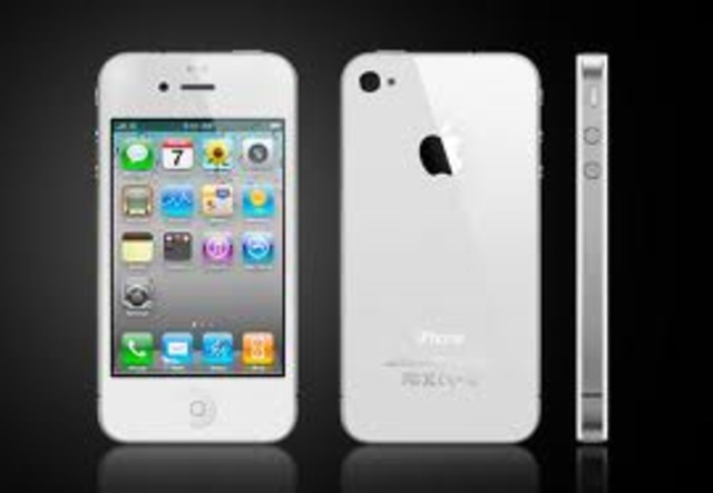 Iphone 4s is released