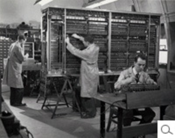 University of Pennsylvania´s Moore School of Electrical Engineering stimulated construction of stored-program computers
