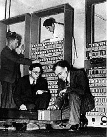 Maurice Wilkes assembled the EDSAC