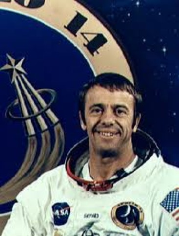 Alan B. shepard becomes first american in space