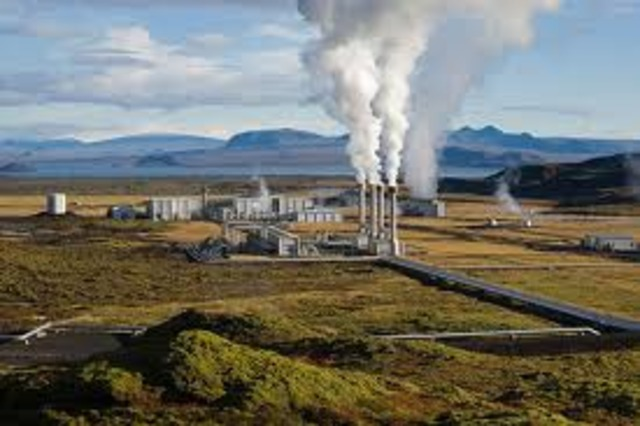First Commercial Scale Geothermal Electric Plants in the US Built in California