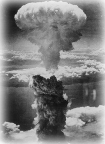 United States drops atomic bomb on Hiroshima, Japan