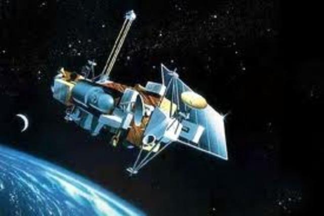 Πρώτος δορυφόρος με φωτοβολταικά