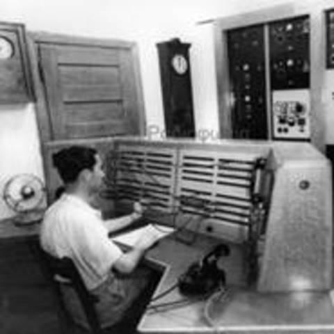 Λειτουργία 1ου ραδιοσταθμού στην Ελλάδα