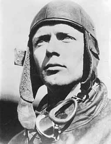 Charles Lindbergh becomes the first person to fly solo across the Atlantic Ocean