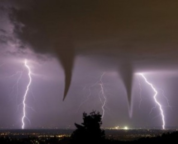 twin lighning tornadoes