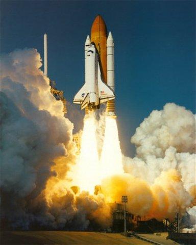 εκτόξευση πρώτου διαστημικού λεωφορείου