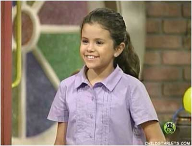 Selena Gomez gets on Barney and Friends