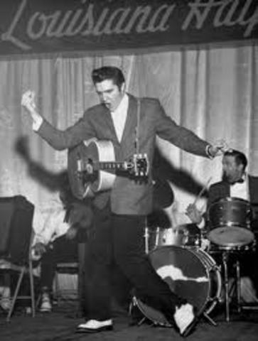 Elvis performs a concert in Louisiana