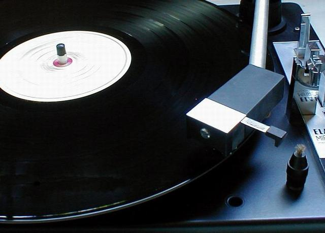 LP adopted as standard by entire record industry